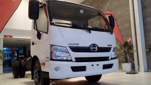 camión hino 300 / 716 financiado