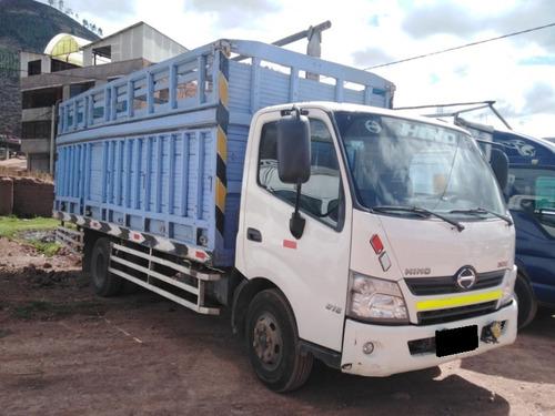 camion hino 300 dutro 816 2,014 baranda