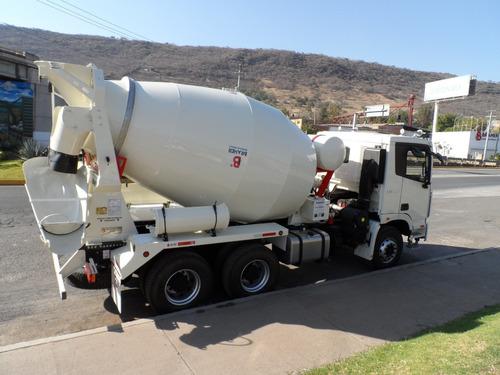 camión hormigonero, camion mezclador, revolvedor de concreto