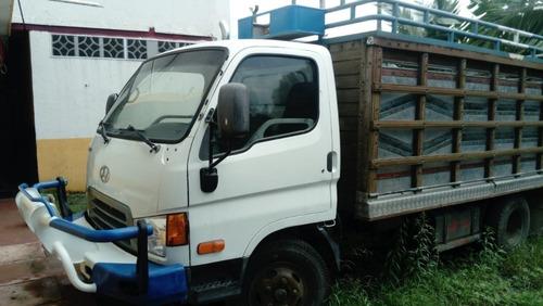camión hyundai  chasis largo cabina 2 puertas, 4.5 toneladas