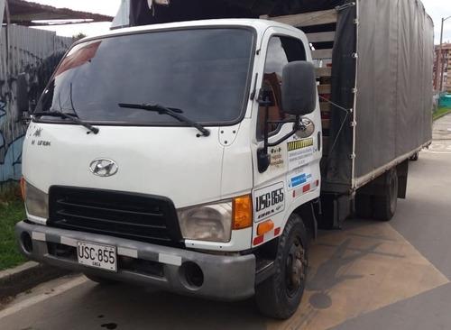 camion hyundai modelo 2007 estacas