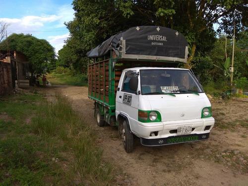 camion hyundai porter. 2 ton estacas en buen estado