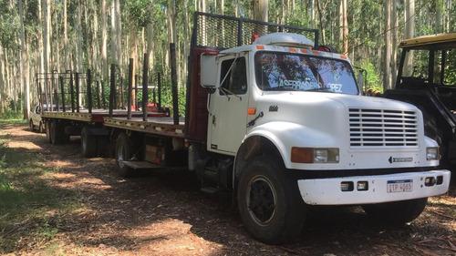 camión internacional 4900 con zorra papeles y patente al dia