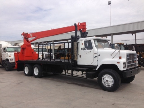 camion international mod. 1987 con grua national de 10 tons