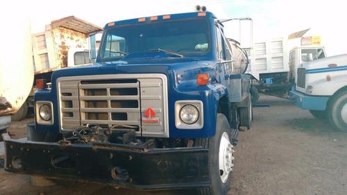 camion international mod 1988  con petrolizadora