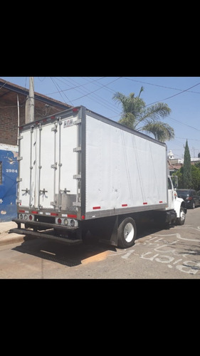 camion international mod. 2000 barato $290,000