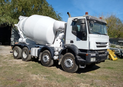 camión iveco trakker 410 con trompo hormigonero de 10mts³