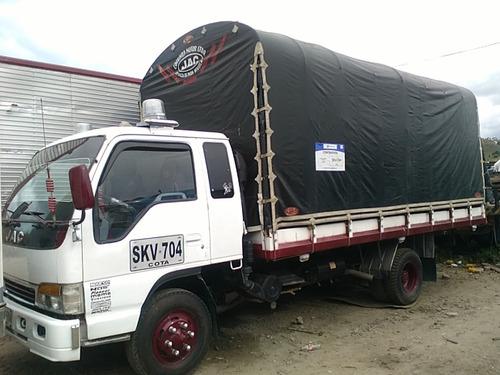 camion jac 2008, kit npr, cabina y media, estacas publico