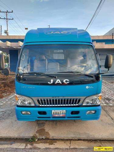 camion jac hfc1061k tipo plataforma diesel sincronico 2014