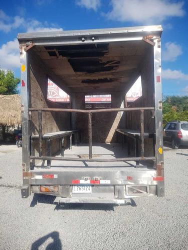 camion jmc 2007 preparado p/ cargar personal