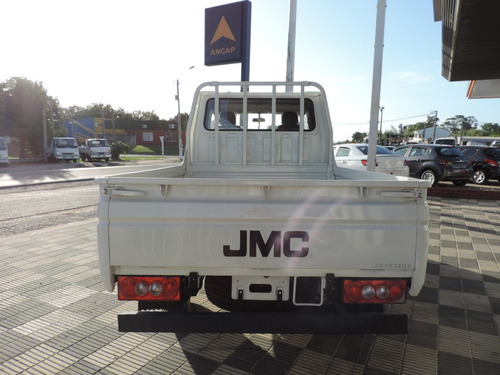camion jmc doble cabina rueda sencilla.