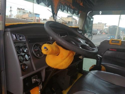 camion kenworth estacas