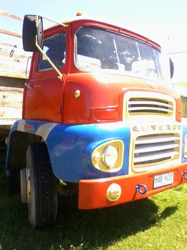 camion leylan  modelo super comet año 62  con motor 145  hp