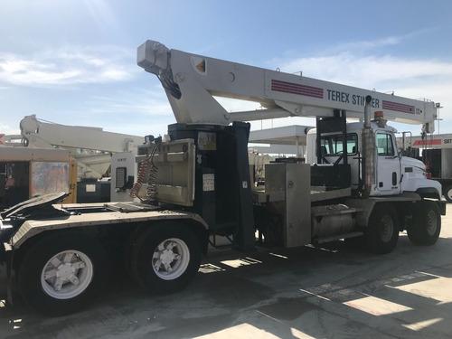 camion mack cl713 mod 1999 con grua titan terex de 23.5 tons