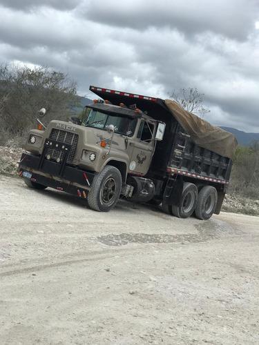 camion mack r600