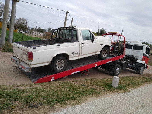 camión mercedes auxilio !!!