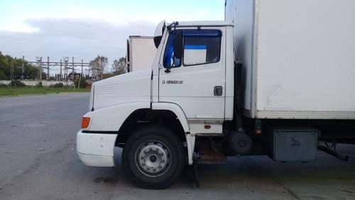 camión mercedes benz 1218