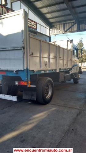 camion mercedes benz   1633 con  carroceria  cerrocam