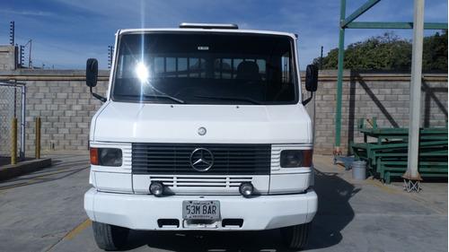 camion mercedes benz 711