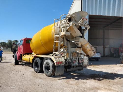 camión mezclador de agregados sterling 2004 olla 8 mts3