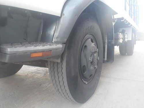 camión mitsubichi fk617