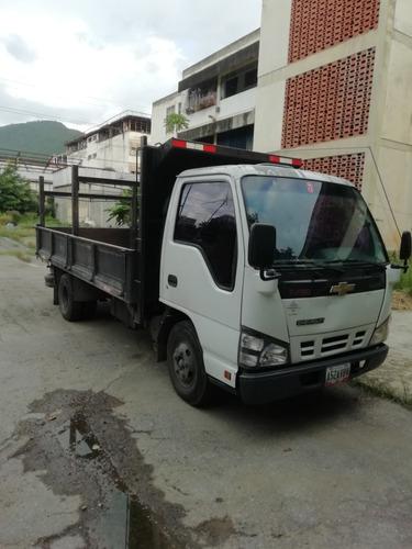 camion nkr 2011 marca chevrolet