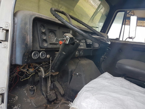 camion petrolizadora international black topper btl