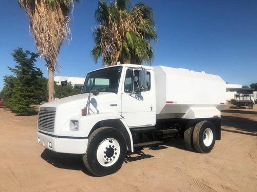 Camion pipa de agua 10 000 litros freightliner u s for Valor estanque de agua 10000 litros