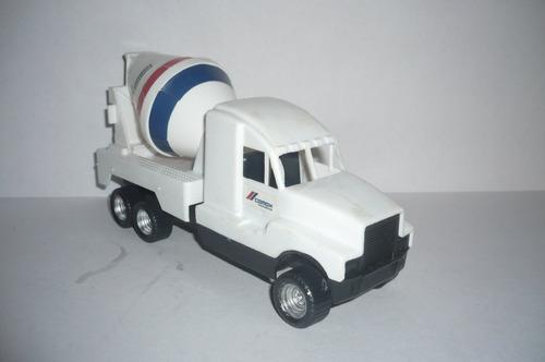 camion revolvedora de concretos cemex - camioncito escala