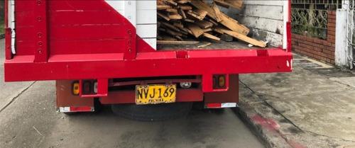 camion rojo de estacas ford