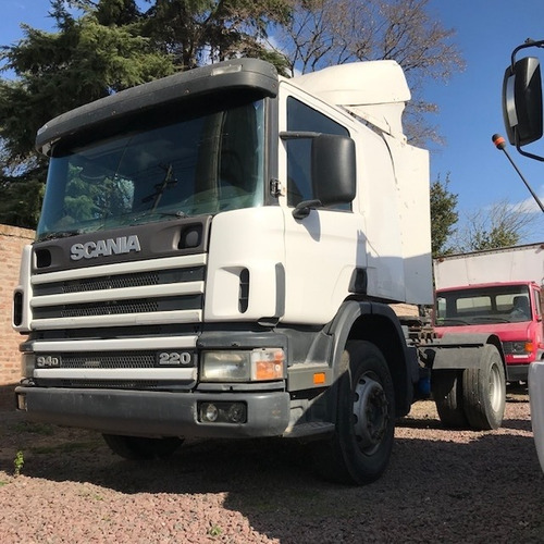 camion scania p94 220 `02 $ 1300000