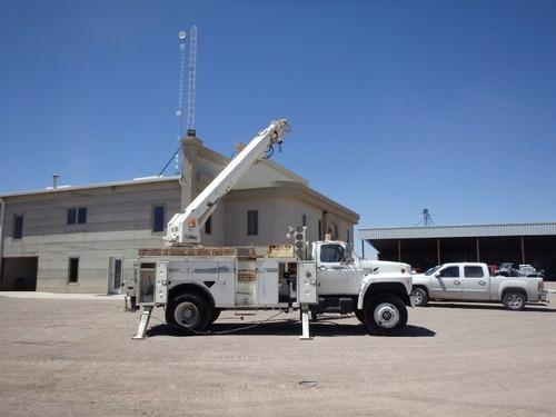camión servicio grúa barrena broca altec ford 42 ft. 2519