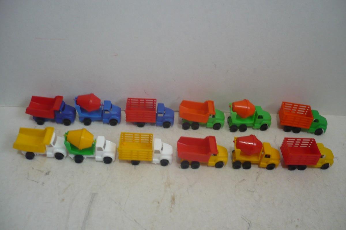 Camion set de 12 camioncito de plastico juguete escala for Juguetes de plastico