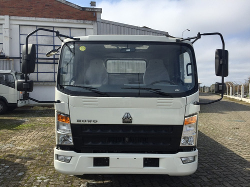 camión sinotruk howo modelo 4 toneladas de carga sin caja