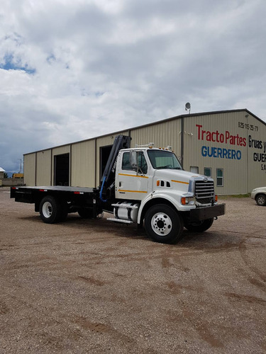 camion sterling con grua hiab de 6 tons.
