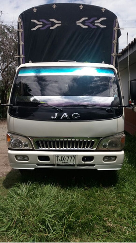 camion turbo diesel 2105 5.8 ton. 6.5 mt largo