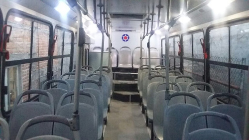 camion urbano de pasajeros
