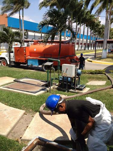 camion vacuum para mantenimiento de trampas grasa y sépticos