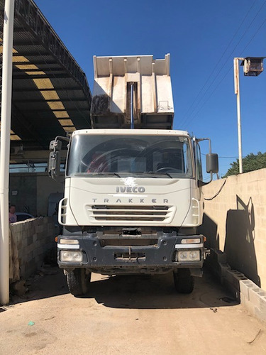 camion volcador iveco eurotrakker 6x4 380 hp