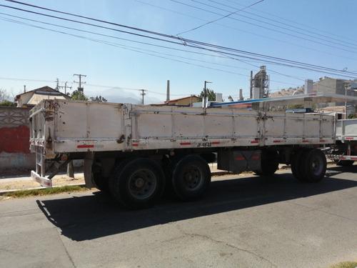 camion volkswagen  con carro