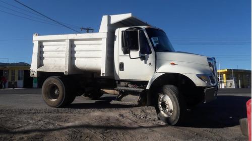 camión volteo internacional