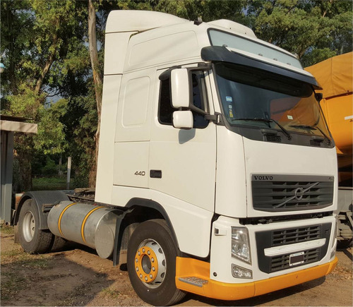 camion volvo globetrotter fh 440 4x2 ishift 4x2 excelente !!