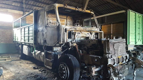 camion volvo nh12 420 - año 2004 - titular vende - siniestro