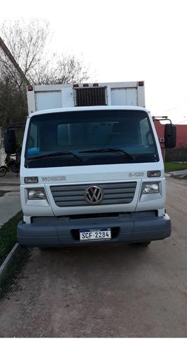 camion wolkswagen 8120 worker con equipo de frio.