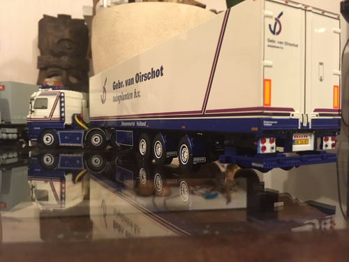 camión wsi scania 143 6x2 streamline fridge trailer. 1:50.