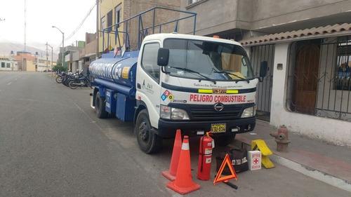 camioncito cisterna 1570 galones con surtidor