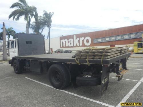 camiones plataformas mack