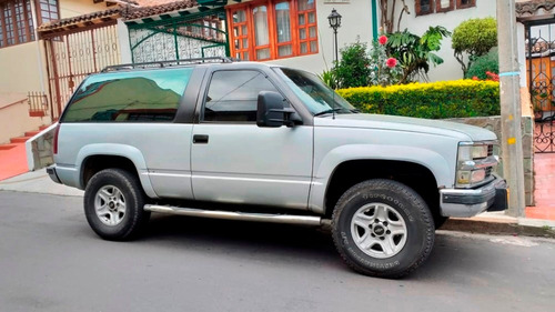 camioneta 4x4 grand blazer, 93 motor diesel 2015 negociable