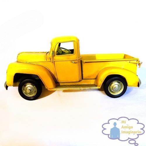 camioneta amarilla pickup clasica escala vintage retro metal