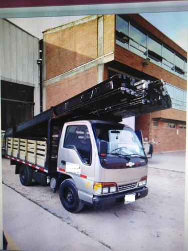camioneta chevrolet nhr 2003 estacas